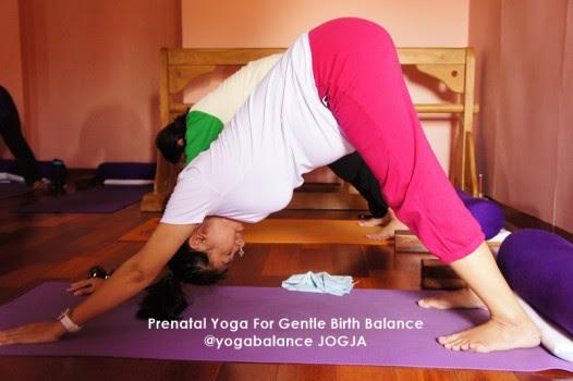Banyak sekali perubahan yang terjadi dalam tubuh ketika Anda sedang hamil Prenatal Yoga dan Meditasi