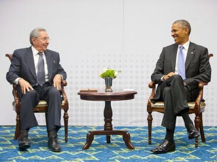 Castro y Obama en la Cumbre de las Américas. Foto: AP / Pablo Martínez Monsivais