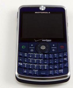 "Motorola's worldly Q9: ""Napoleon"" breaks cover for Verizon"
