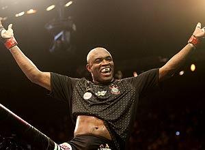 Anderson Silva tem 15 vitórias no currículo no UFC