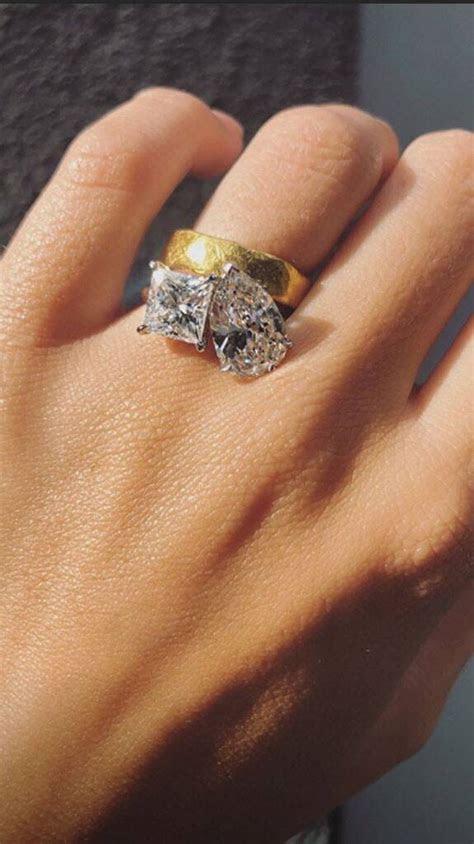 See Emily Ratajkowski's Massive Engagement Ring for the