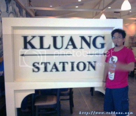 photo 19KluangStationServesTheBestNasiLemak_zps72388773.jpg