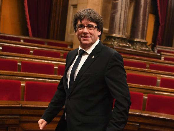 Catalogna, da Rajoy a Puigdemont: tutti gli uomini (e la donna) della crisi