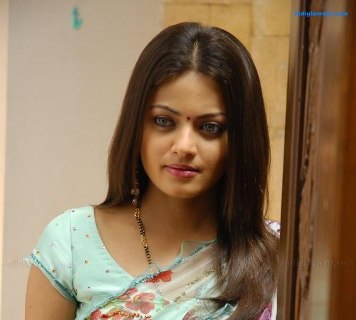 Indiglamour.com: Sneha Ullal