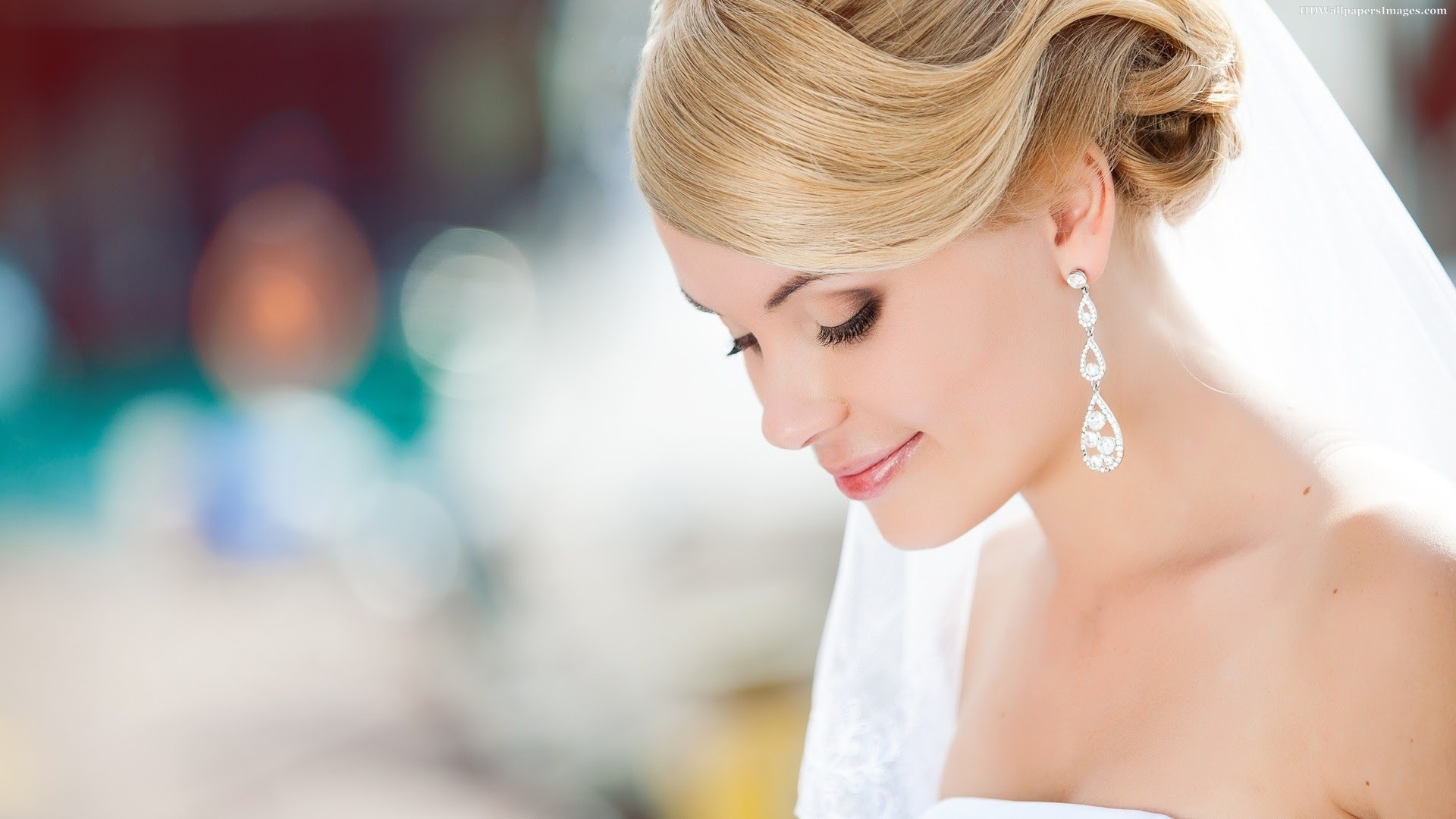 Wedding Bride Pose Images