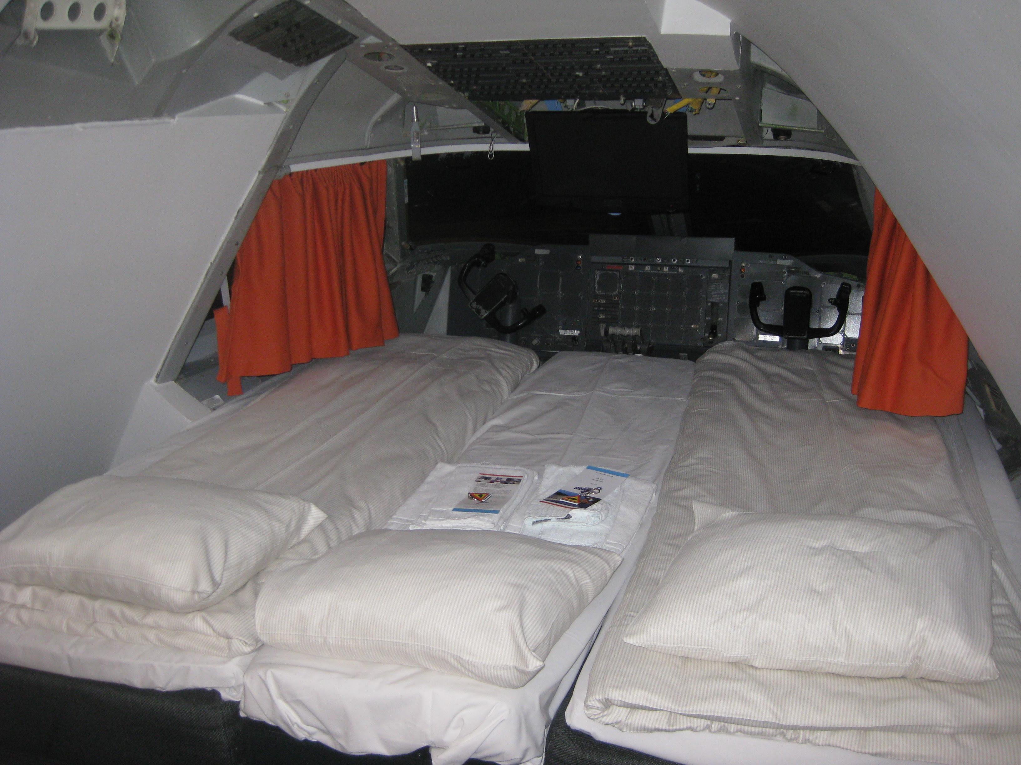 Jumbo Hostel suite.JPG