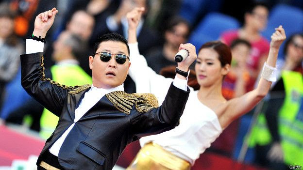 """Psy bailando su """"Gangman style"""""""