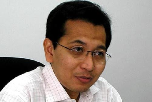 Siapa pengkhianat sebenar Tun M atau Jho Low - Ezam
