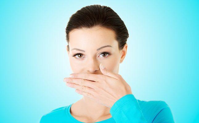 كيفية التخلص من رائحة الفم