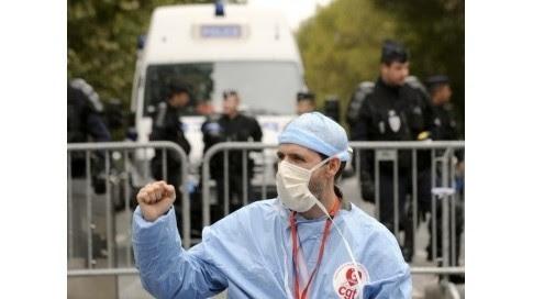 Des rassemblements sont prévus dans 20 régions selon les syndicats pour la défense de l'hôpital public. AFP