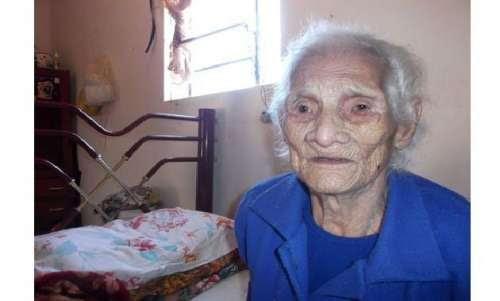 Só no Brasil mesmo: idosa pode perder aposentadoria por ser velha demais