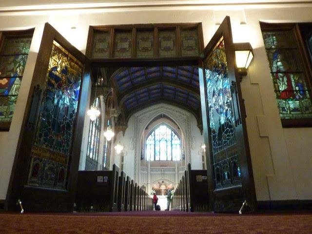 P1080297-2011-03-07-Phoenix-Flies-Peachtree-Christian-Church-Sanctuary-from-Narthex-Floor
