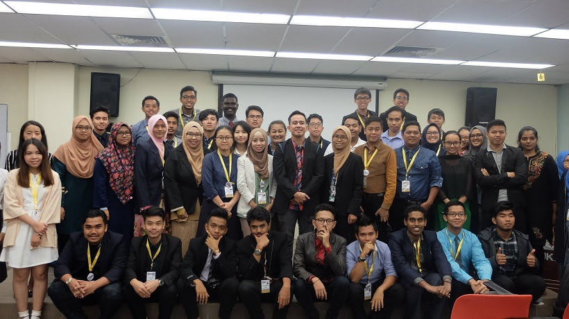 Filipino motivational speaker with the AYEC 2017 delegates