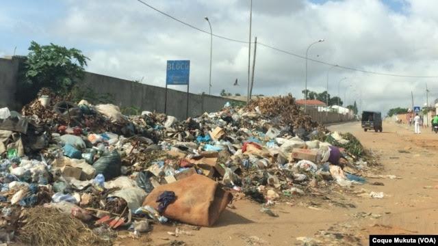 Lixeiras a céu aberto e lagoas de água estagnada na origem da crise sanitária em Luanda