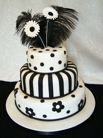 Black and White Daisy Dramatic and bold this design is sure to catch the