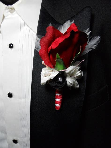 25  best Boutonniere for prom ideas on Pinterest   Flowers