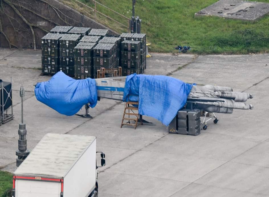 Foto X-Wing set de Rodaje Star Wars Episodio VII Berkshire