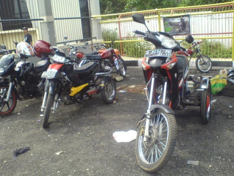 Modifikasi Motor Roda Tiga Bandung