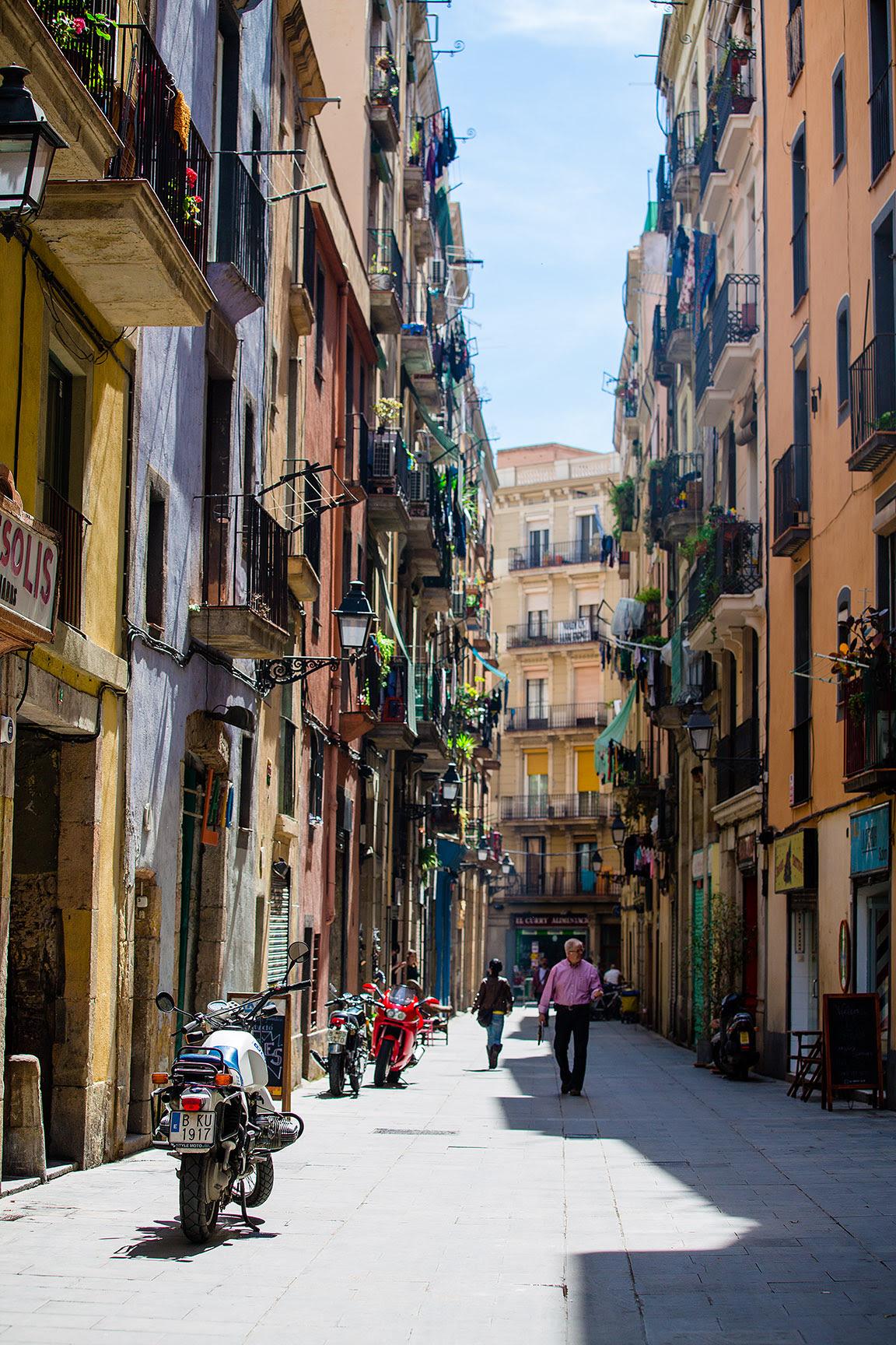 Beautiful street art in Barcelona - Photo Essay - Lost in ...
