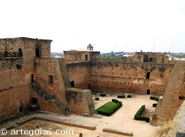Alcázar o Castillo de los Guzmanes. Niebla (Huelva)