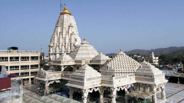 एक शक्तिपीठ जहाँ गर्भगृह में नहीं है प्रतिमा, जहाँ हुआ श्रीकृष्ण का मुंडन संस्कार: गुजरात का अंबाजी मंदिर