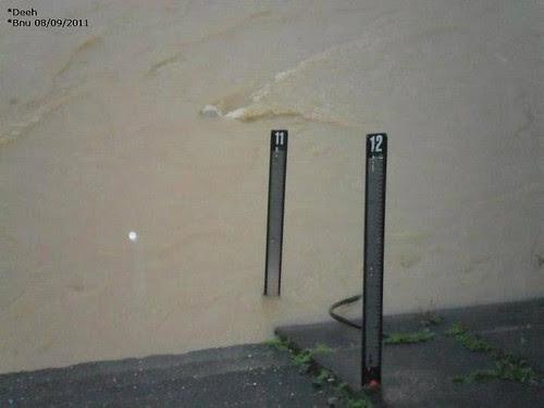 Chuvas em Blumenau... by Menina Prendada -
