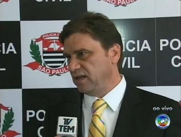 Segundo o delegado Marcelo Carriel, o material será encaminhado para São Paulo (Foto: Reprodução/TV TEM)