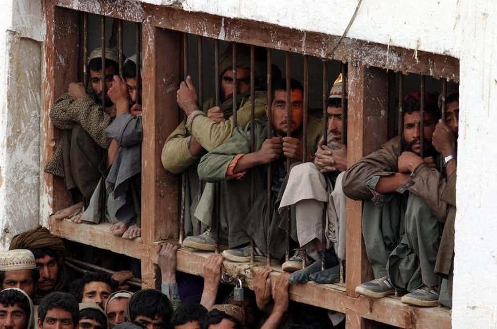 15-imagens-perturbadoras-tiradas-em-prisões-ao-redor-do-mundo-05