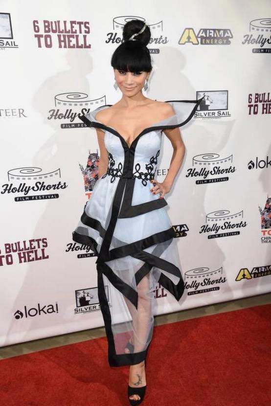 нелепые наряды голливудских знаменитостей, странные наряды звёзд