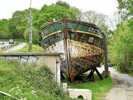 Son statut de Monument historique excluant tout projet de destruction, ce bateau n'a d'autre avenir qu'un sauvetage par des passionnés, prêts à reprendre le flambeau de l'actuel propriétaire.