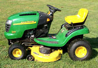 John Deere 2003 17 HP riding lawn mower