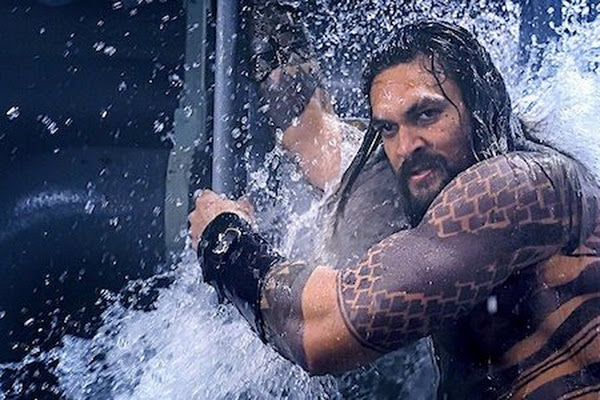 c51fa6d603601 New Aquaman Image Features A Giant Sea Dragon, And It's Amazing