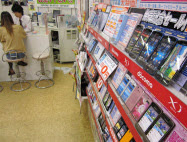 端末価格は上昇傾向(東京都武蔵野市のイーブーム吉祥寺店)