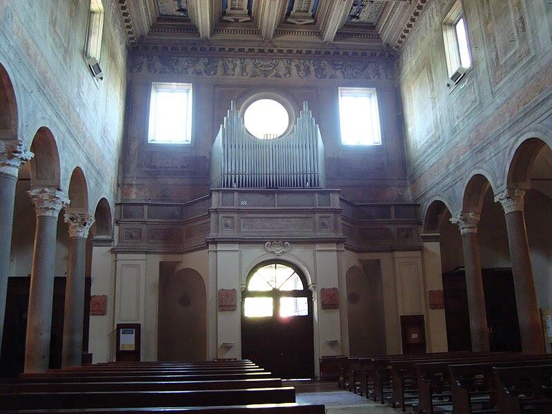 Interieur Baslique Santa Maria in Domnica.JPG