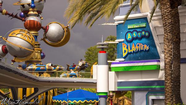 Disneyland Resort, Tomorrowland, Buzz, Lightyear, Astro, Blasters, Facade, Repainted, Paint, Repaint, Refurbishment, Refurbish, Refurb, Color, Scheme