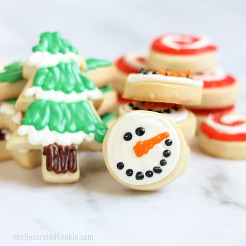 Pictures Of Christmas Cookies Decorated : Decorated Christmas Tree Cookies With Royal Icing Plating Pixels : Over 159,651 decorated cookies pictures to choose from, with no signup needed.