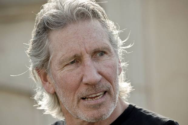 "Roger Waters to Dionne Warwick: ""You are showing yourself to be profoundly ignorant of what has happened in Palestine since 1947"""