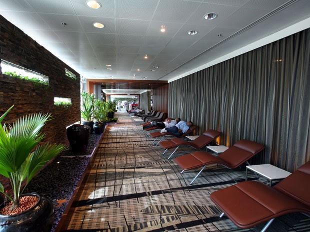 Área de relaxamento do Aeroporto de Changi, na Cingapura, eleito o melhor do mundo em 2013 (Foto: Divulgação/Changi Airport Group)