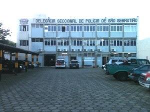 Suspeito foi encaminhado para a Delegacia Seccional de São Sebastião. (Foto: Wanderson Borges/TV Vanguarda)