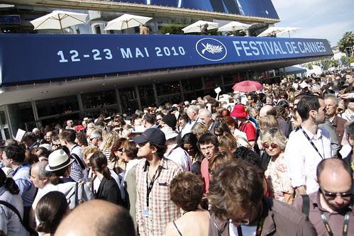 People lining up for Abbas Kiarostami's CERTIFIED COPY