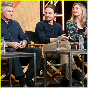 'Everwood' Cast Holds Epic Reunion, Talks Possible Reboot