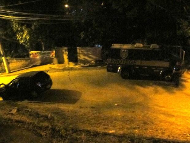 Polícia arma tocaia em carro-forte e seis morrem em ação (Foto: Marcelo Elizardo / G1)