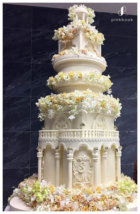 10 Most Extravagant Wedding Cakes   Wedding Cakes South Africa