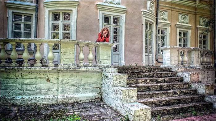 Паркровый фасад дворца усадьбы Волынщино-Полуэктово/3673959_8 (700x393, 78Kb)