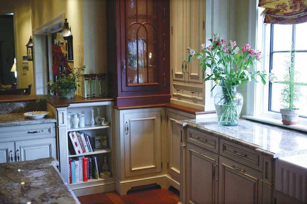 Galley Kitchens Brisbane | Custom Cabinets | Renovation ...