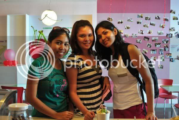 trio at manila ocean park