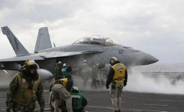 2 Jet Tempur AS Tabrakan, Pilot Hilang (Reuters)