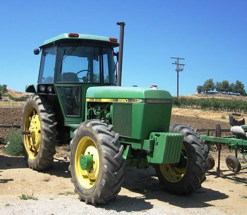 John Deere 2950 Tractor by MR38