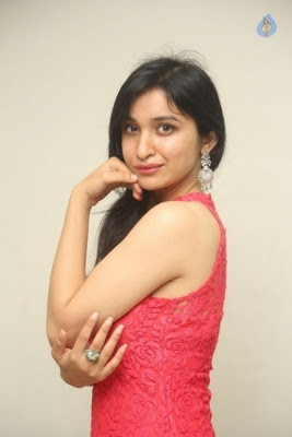 Sakshi Kakkar New Photos - 2 of 35