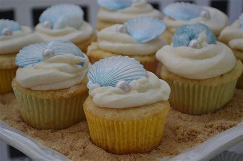 Fondant Seashells and Pearl cake topper or cupcake topper